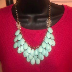NWOT Triple Teardrop Statement bib necklace